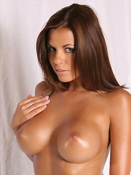 Busty Nicole Graves Oils Her Hot Body And Tight Snatch