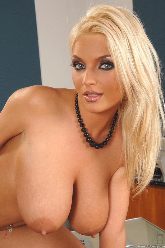 Click here to see more Ines Cudna's galleries at DDF Busty