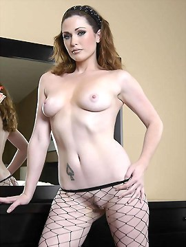 Tall Aimee in Large Fishnets